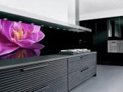 Орхидея в кухнята