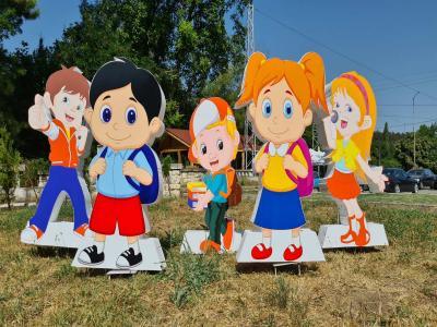 Обемни фигури на деца и приказни герои от стиропор и пластмаса цена: 80.00
