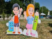 Фигури на деца за първия учебен ден от стиропор и пластмаса