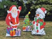 Коледна украса-композиция. Дядо Коледа със снежен човек и елха 95см двустранно
